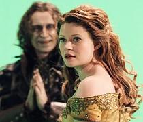 Emilie De Ravin como Bella en Once Upon A Time