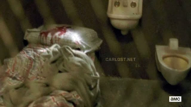 Sangre en la almohada en The Walking Dead 4x02