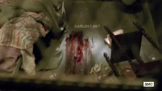 Sangre en la celda de Karen en The Walking Dead 4x02