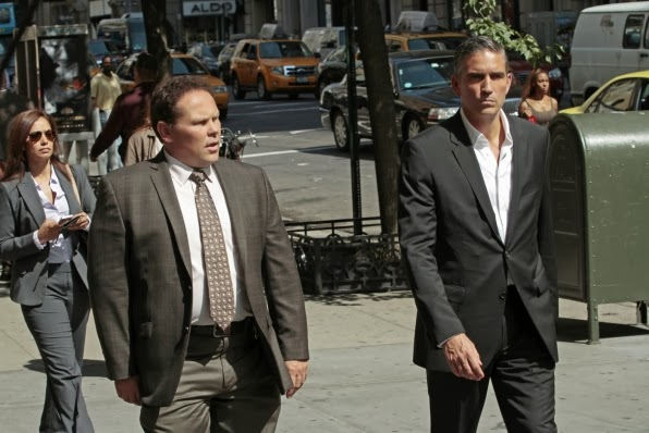 Kevin Chapman (Detective Fusco) y Jim Caviezel (John Reese) en Person of Interest 3x07