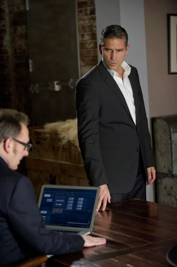 Harold Finch (Michael Emerson) y John Reese (Jim Caviezel) en Person of Interest 3x07