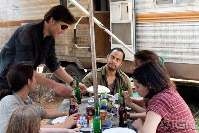 El Gobernador siendo muy amable en el nuevo campamento, en The Walking Dead 4x07