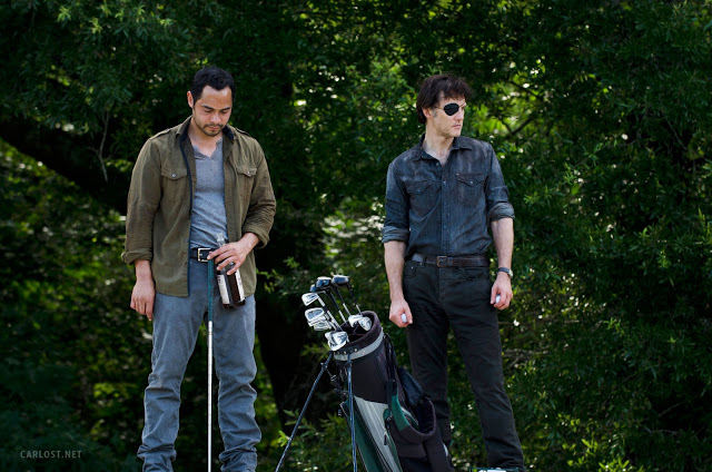 Martinez (José Pablo Cantillo) y El Gobernador (David Morrissey) en The Walking Dead 4x07