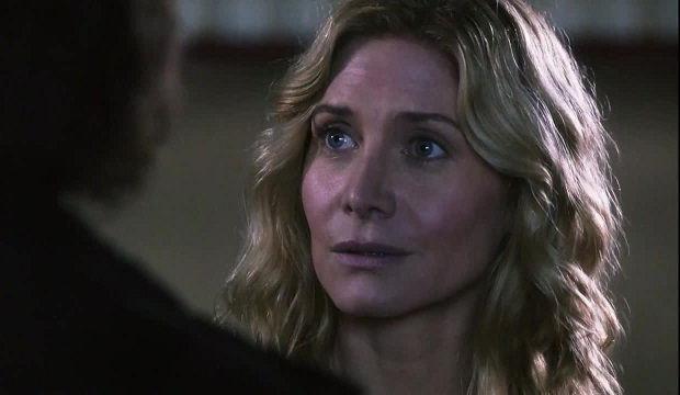 Rachel (Elizabeth Mitchell) en Revolution 2x13