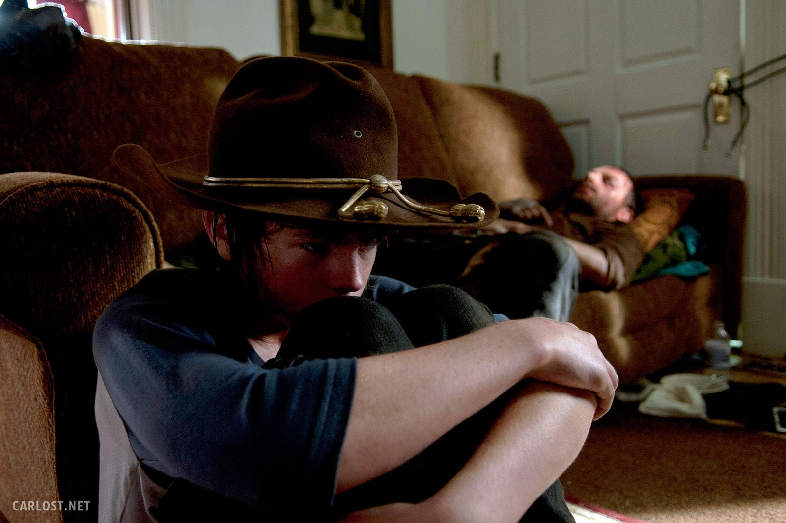 Carl Grimes (Chandler Riggs) y Rick Grimes (Andrew Lincoln) en The Walking Dead 4x09 After