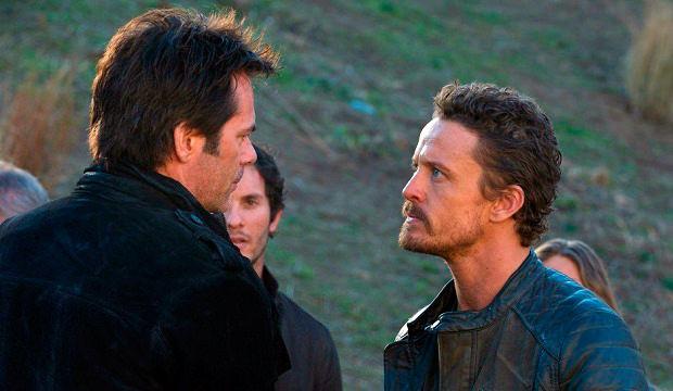 Miles y Monroe en Revolution 2x17 Why We Fight