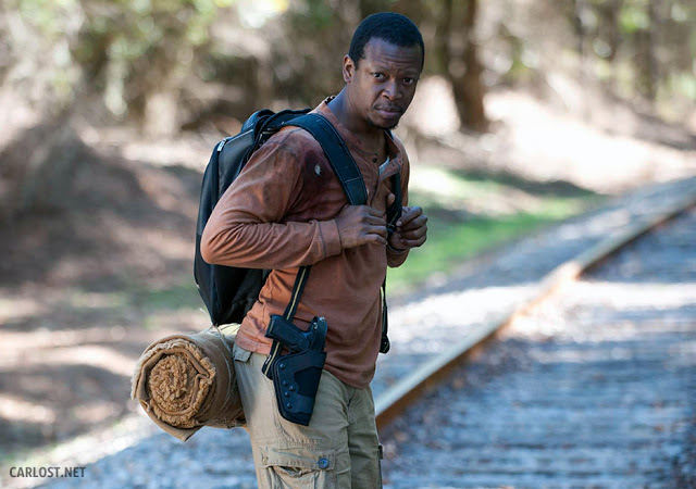Bob Stookey (Larry Gilliard Jr.) en las vías del tren en The Walking Dead 4x13 Alone