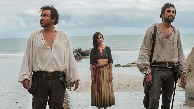 Vespucio (Lee Boardman), Yana (Dilan Gwyn) y Zoroaster (Gregg Chillin) en Da Vinci's Demons 2x05 The Sun and the Moon