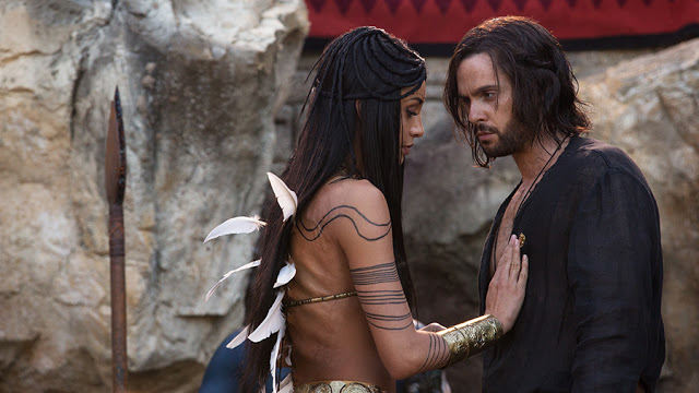 Ima (Carolina Guerra) y Leonardo Da Vinci (Tom Riley) en Da Vinci's Demons 2x05 The Sun and the Moon
