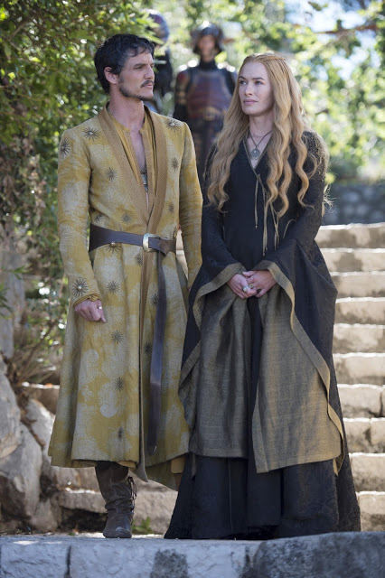 Obelyn Martell (Pedro Pascall) & Cersei Lannister (Lena Headey) en Game of Thrones 4x05 First of His Name