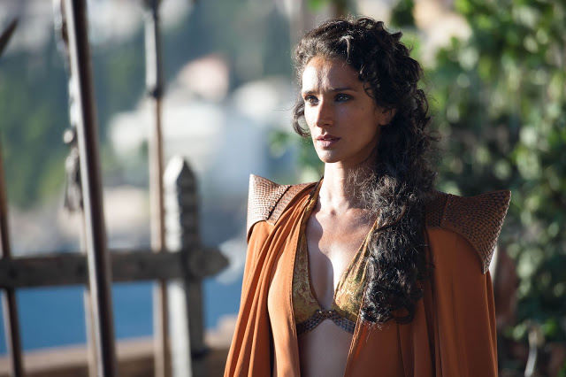 Ellaria Sand (Indira Varma) en Game of Thrones 4x08 The Mountain and the Viper