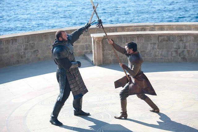 Gregor Clegane (Hafþór Júlíus Björnsson) vs Oberyn Martell (Pedro Pascal) en Game of Thrones S04E08