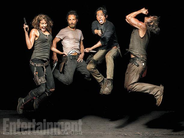 The Walking Dead Maggie Greene (Lauren Cohan), Rick Grimes (Andrew Lincoln), Glenn Rhee (Steven Yeun), y Daryl Dixon (Norman Reedus) - EW Photoshoot 2014