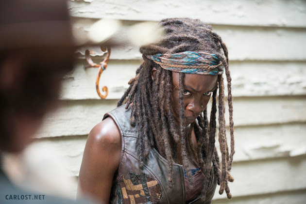 Michonne (Danai Gurira) en The Walking Dead 5x08 Coda (MidSeason Finale)