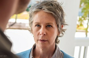 Melissa McBride en The Walking Dead 5x14 Spend