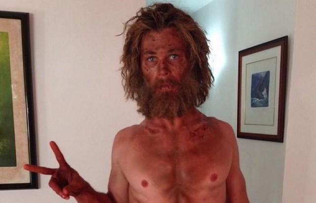 Chris Hemsworth irreconocible para su nueva película