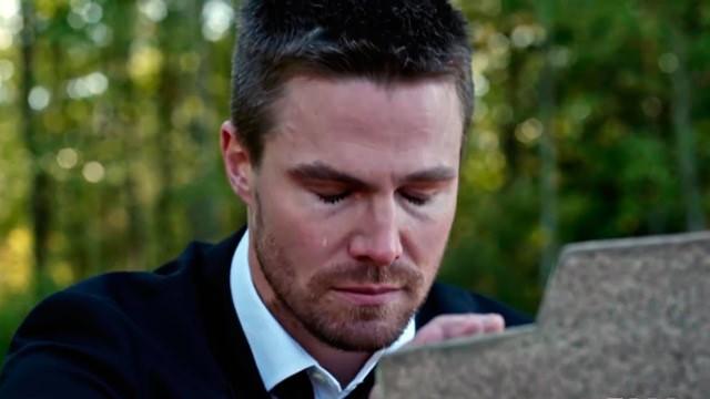 Oliver Queen (Stephen Amell) en Arrow 4x10 Blood Debts (Promos)