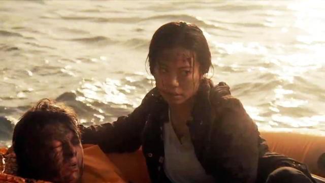 Charlie (Michelle Ang) y Jake (Brendan Meyer) en Fear The Walking Dead 2x03 Ouroboros
