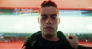 Rami Malek como Elliot en Mr. Robot