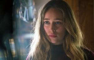 Alycia Debnam Carey como ALicia Clark en Fear The Walking Dead 2x05 Captive