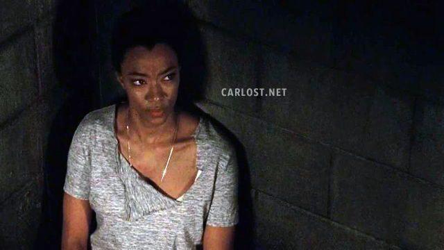 The Walking Dead Temporada 7: Noticias,Fotos y Spoilers. - Página 15 Spoiler-The-Walking-Dead-7x15-Carlost-TWD-715-Sasha-celda-640x360