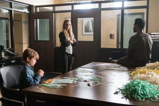 Colony 3x02 Puzzle Man (USA Network)