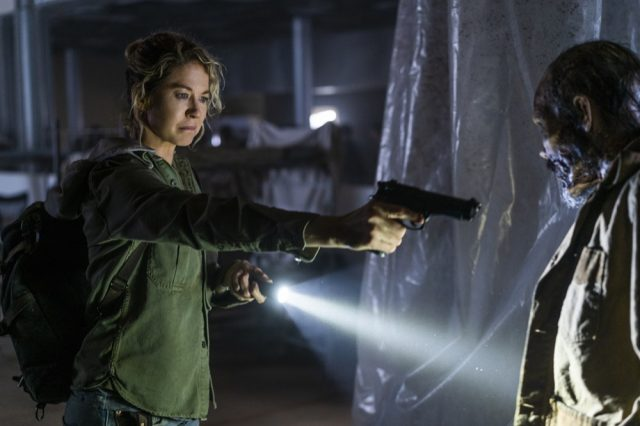 Fear the Walking Dead 4x06 - Jenna Elfman como Naomi