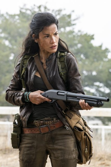 Fear the Walking Dead 4x06 - Danay Garcia como Luciana