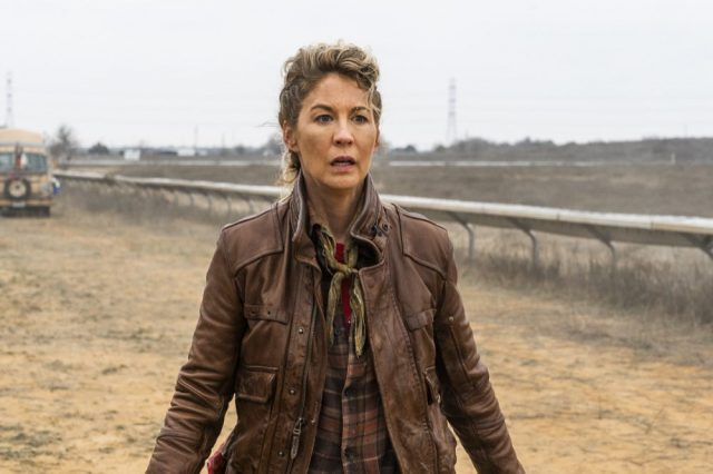 Fear the Walking Dead 4x07 - Jenna Elfman como Naomi