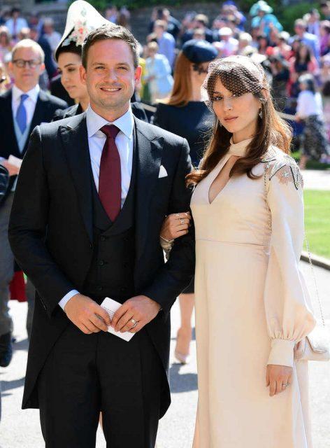 Patrick J. Adams y su esposa Troian Bellisario en la boda de Meghan Markle y el príncipe Harry
