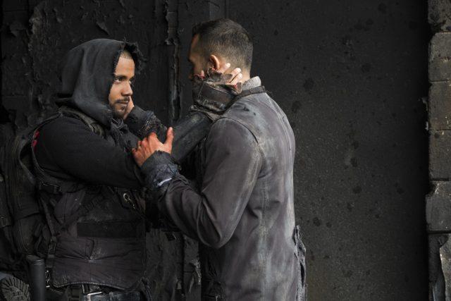 The 100 5x05 - Jarod Joseph como Nathan Miller y Sachin Sahel como Eric Jackson