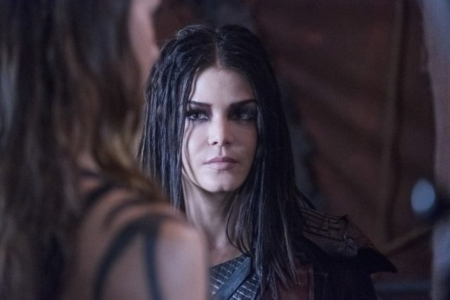 The 100 5x06 -  Marie Avgeropoulos como Octavia Blake