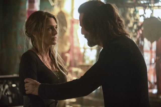 The 100 5x07 - Paige Turco como Abby Griffin, y Henry Ian Cusick como Marcus Kane