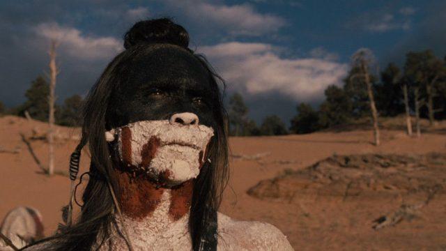 Zahn McClarnon como Akecheta en Westworld 2x08 Kiksuya