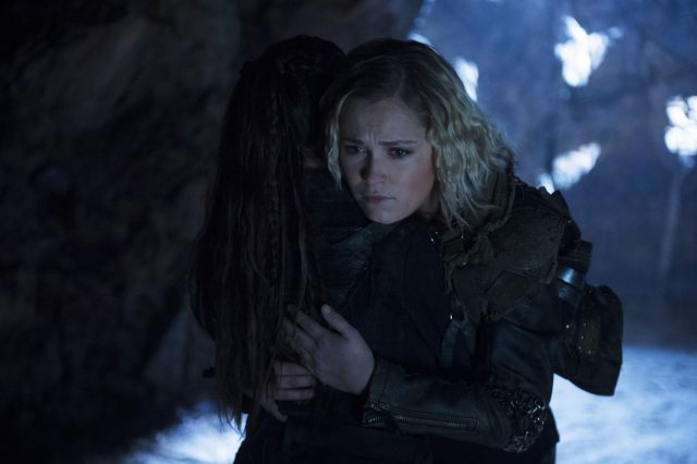 The 100 5x12 - Eliza Taylor como Clarke Griffin (Final de Temporada - Parte 1)