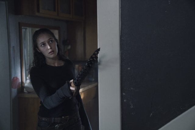 Fear The Walking Dead 4x10 - Alycia Debnam Carey como Alicia Clark