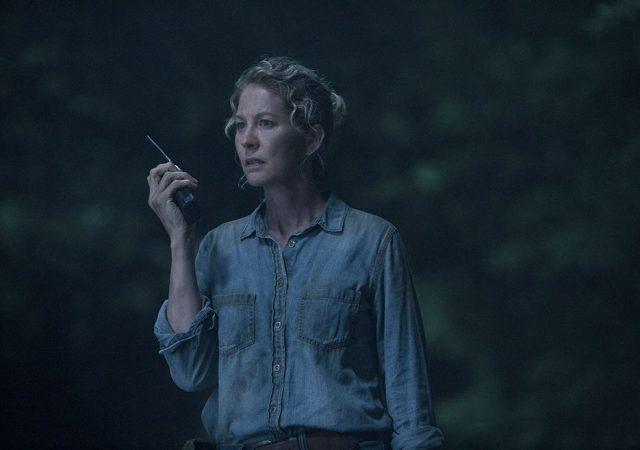 Jenna Elfman como June en FearTWD 4x12