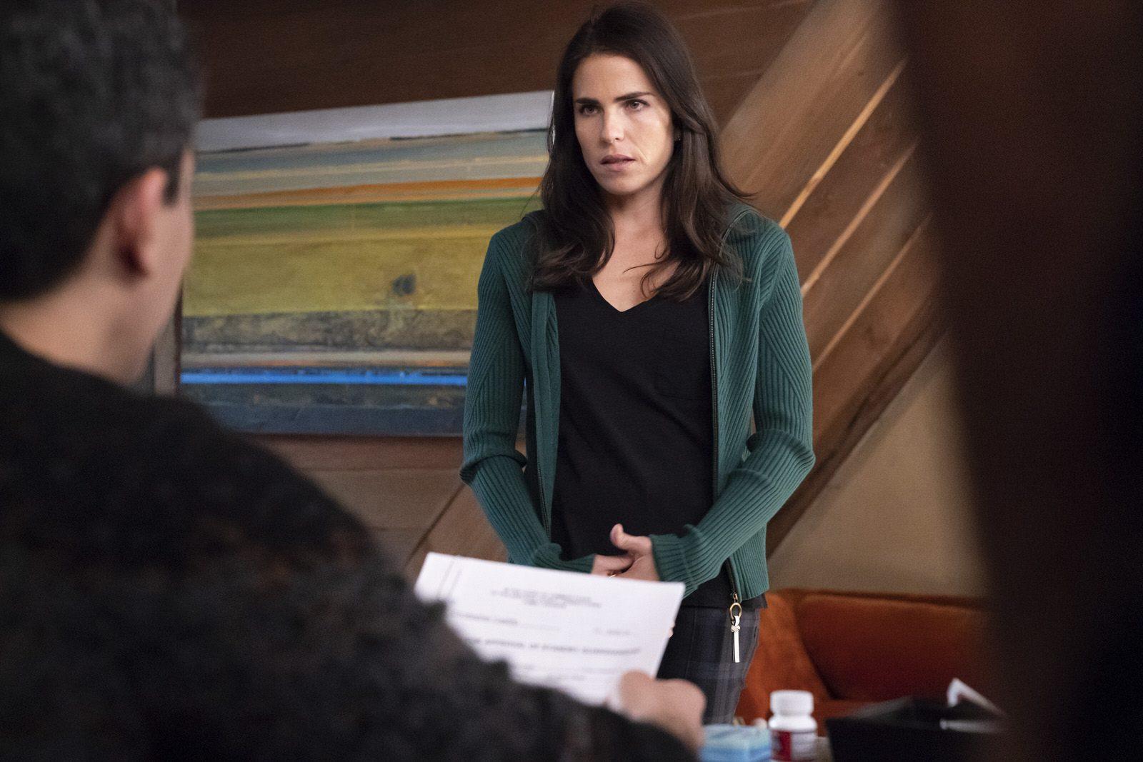 Karla Souza como Laurel Castillo en HTGAWM 5x15 (Final de Temporada)