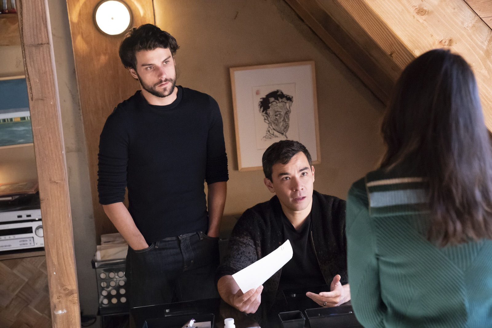 Jack Falahee como Connor Walsh y Conrad Ricamora como Oliver Hampton en How To Get Away With Murder 5x15 (Season Finale)