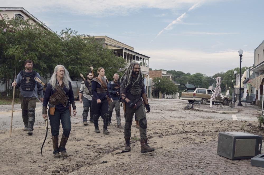 Khary Payton como Ezekiel, Melissa McBride como Carol Peletier, Cooper Andrews como Jerryen The Walking Dead 9x11