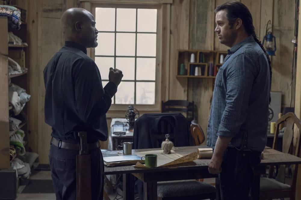 The Walking Dead 9x12: Seth Gilliam como el Padre Gabriel Stokes y Josh McDermitt como el Dr. Eugene Porter