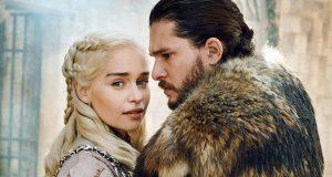 Emilia Clarke y Kit Harington en sesión de fotos del final de Game of Thrones