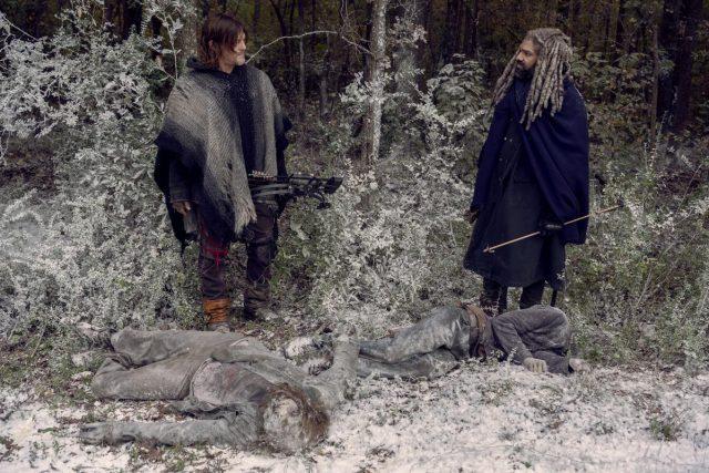 TWD 9x16 - Norman Reedus como Daryl Dixon y Khary Payton como Ezekiel