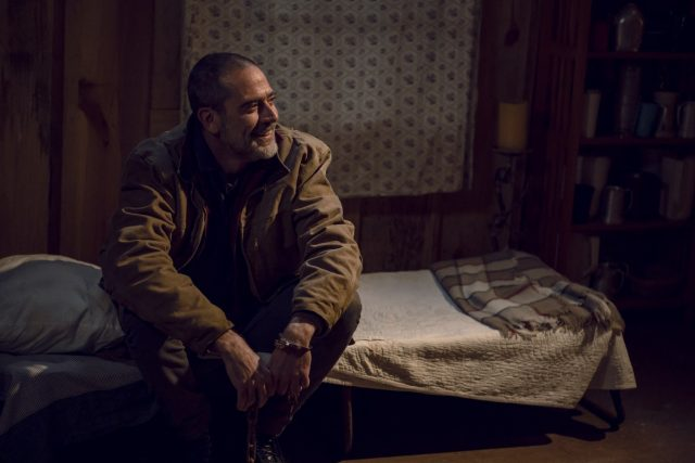The Walking Dead 9x16 - Jeffrey Dean Morgan como Negan