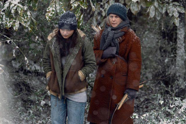 The Walking Dead Temporada 9 Episodio 16 - Cassady McClincy como Lydia y Melissa McBride como Carol Peletier