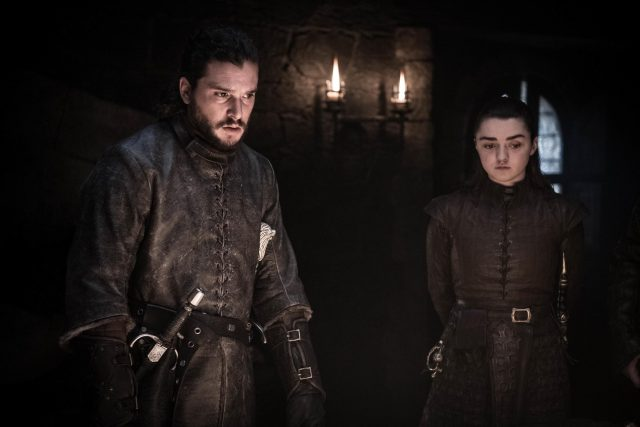 Jon Snow y Arya en Game of Thrones 802