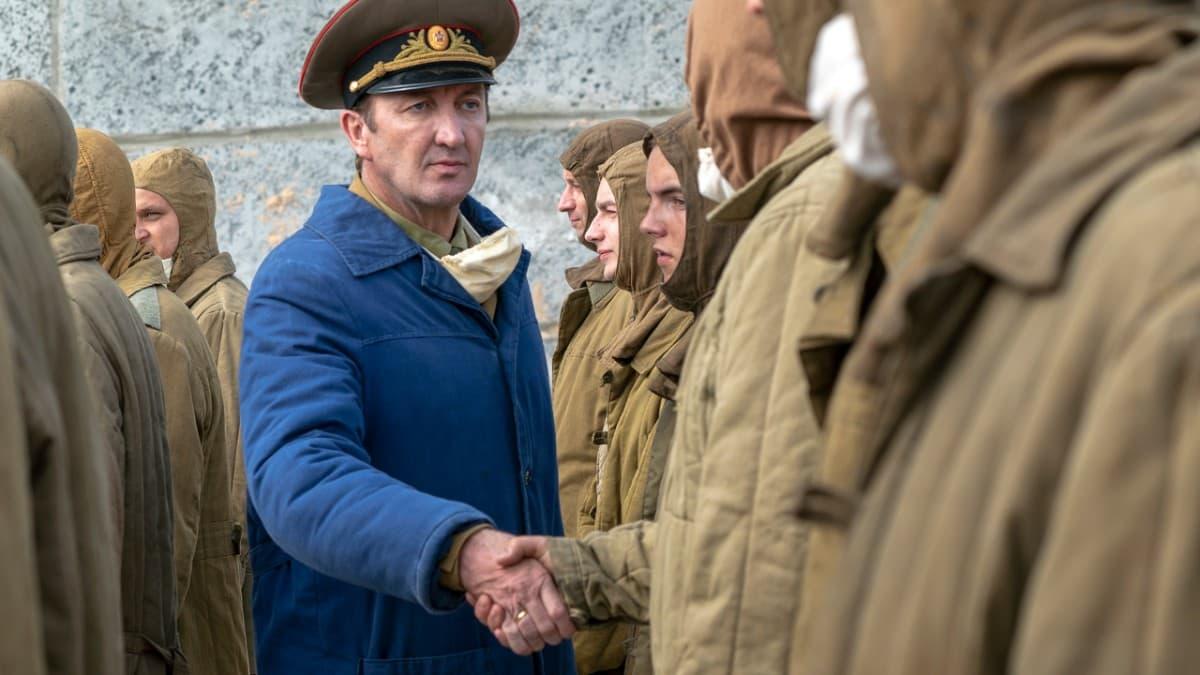Ralph Ineson en el capítulo 4 de Chernobyl (2019)