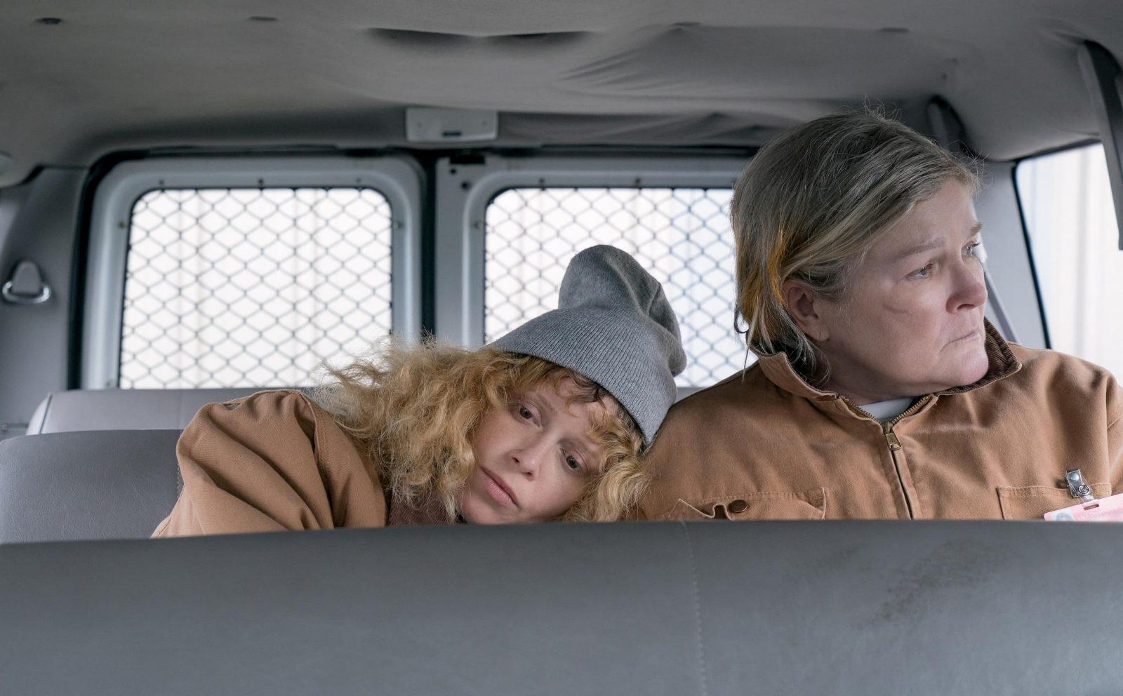 """Nicky Nichols (Natasha Lyonne) y Galina """"Red"""" Reznikov (Kate Mulgrew)"""