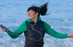 Jane (Shailene Woodley) bailando en Big Little Lies Temporada 2