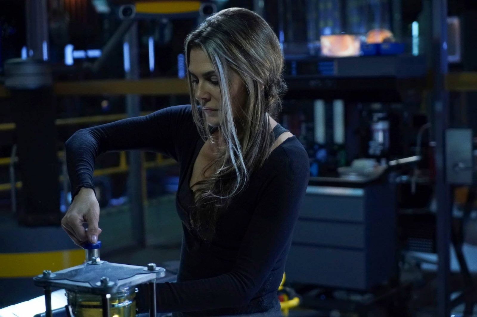 Paige Turco como Abby en The 100 S06E08 The Old Man and the Anomaly